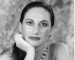 Visualizza il curriculum completo di EMANUELA SALUCCI - Soprano e Insegnante di canto