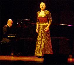 Foto della della vincitrice del 7º concorso Ottavio Ziino la mezzosoprano lituana Jurgita Adamonyte