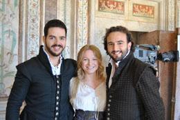 Da sinistra Giorgio Caoduro (Marullo), Julia Novikova (Gilda) e Leonardo Cortellazzi (Borsa) nel Rigoletto a Mantova ripreso dalla Rai il 4 e 5 settembre 2010 con Placido Domingo