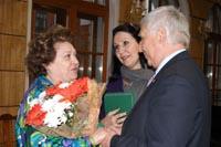 Fiorenza Cossotto con il Rettore dell'Istituto Musicale di Stato Schnittke e con Marina Petrova collaboratrice a Mosca del Festival New Opera Ischia