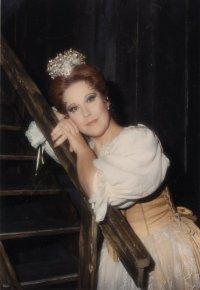 Il soprano Luciana Serra